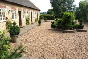 Dogs welcome Hotel Sturminster Newton | Plumber Manor Dorset Pet Holidays